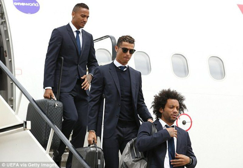 Cristiano Ronaldo touches down in Cardiff for the Champions League finals
