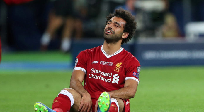 Mohamed Salah suffers a shoulder injury during the 2018 UEFA CL final game