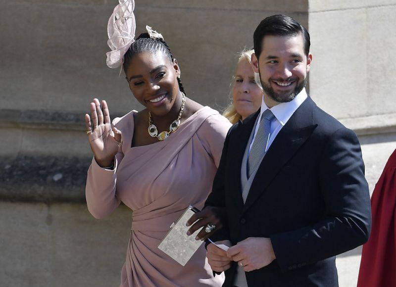 Serena Williams waving at the audience [Royal wedding]