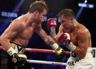 Canelo Alvarez attacking Gennady Golovkin