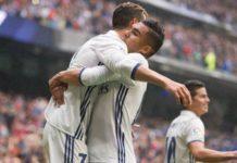 Casemiro congratulates Ronaldo