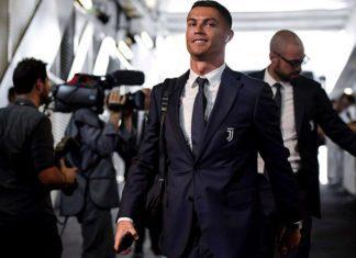 Cristiano Ronaldo arrives at the stadium