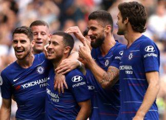 Hazard celebrates with his Chelsea teammates
