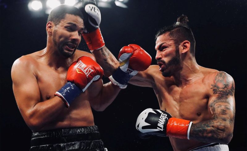 Jorge Linares [right]