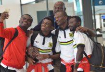 Amos Frimpong and co takes selfie [Asante Kotoko]