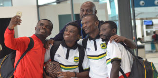 Amos Frimpong and co takes selfie [Asante Kotoko]