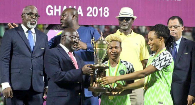 Chinwetalu and Ebi taking the trophy